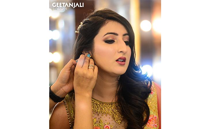 Geetanjali Salon - Sector 18, Kavi Nagar, Ghaziabad
